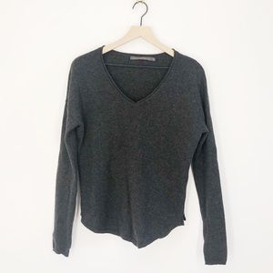 Feel the Piece Grey Cashmere V-Neck Sweater